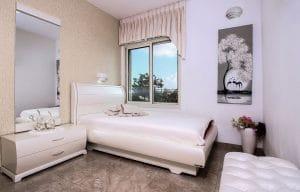 חדר לנערות