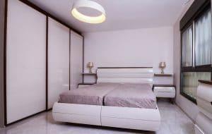 מיטות לחדר שינה חרדי מחוברות
